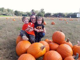 read and pick pumpkins small